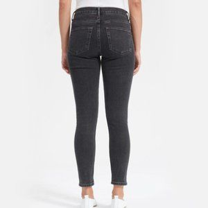 Everlane Mid-Rise Skinny Jean in Washed Black